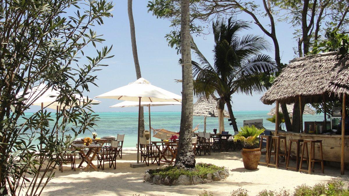 Blue Oyster Hotel Zanzibar - beach bar