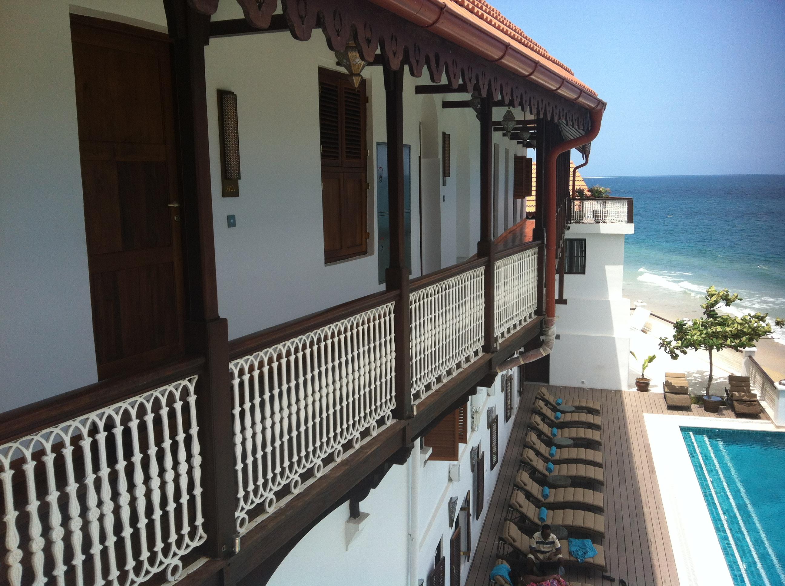 """Eins der vielen Traumhotels auf Sansibar, das neue """"Hyatt"""" am Ufer der Altstadt"""